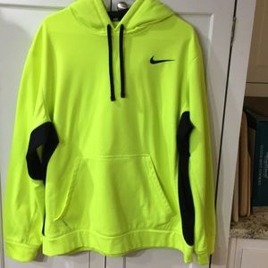 XL Nike therma-fit sweatshirt